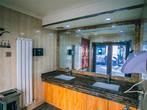 卫生间及淋浴间